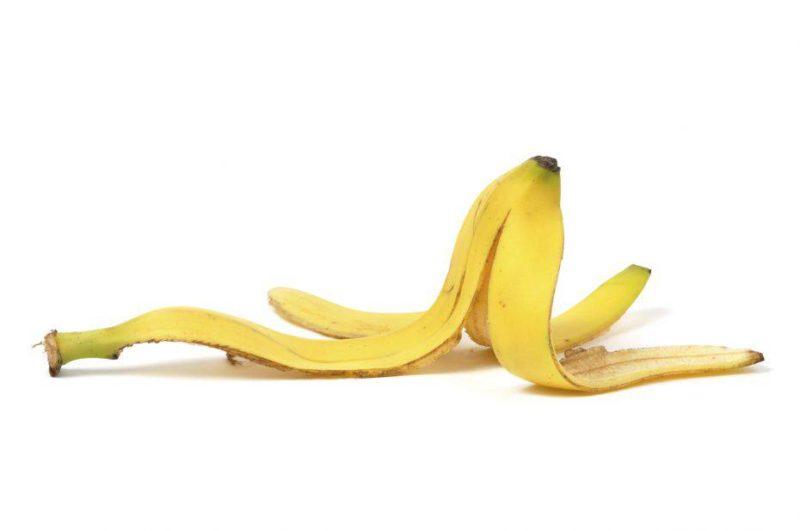 Le bucce di banane possono servire per pulire le scarpe e altro